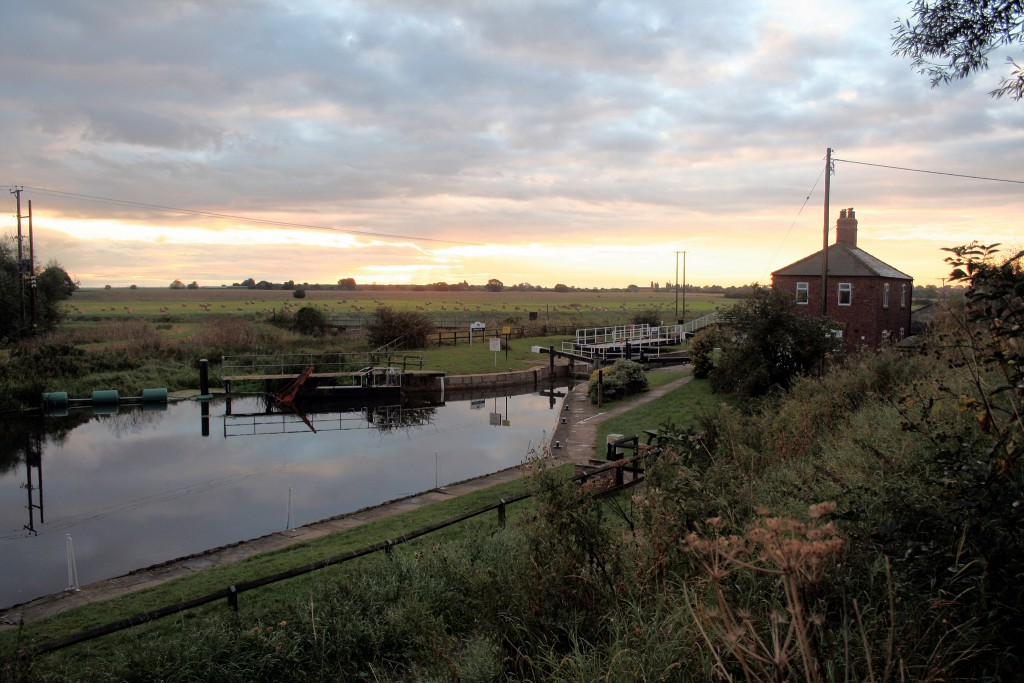 Glamping-Lincolnshire-Canal-1024x683